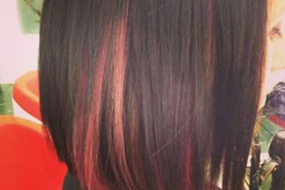 21-pink-streaks-in-brown-hair