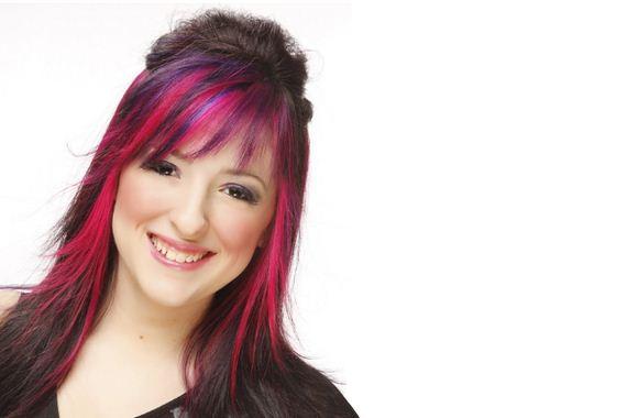 24-pink-streaks-in-brown-hair