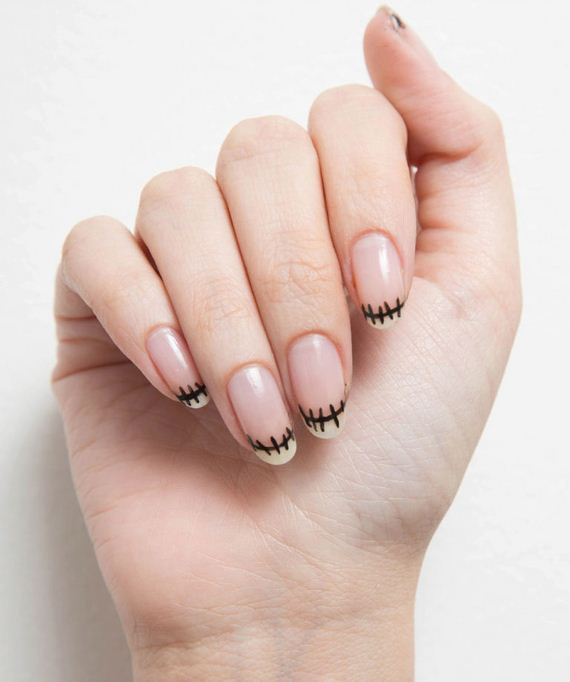 25-halloween-nail-manicures