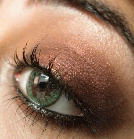 02-green-eyes