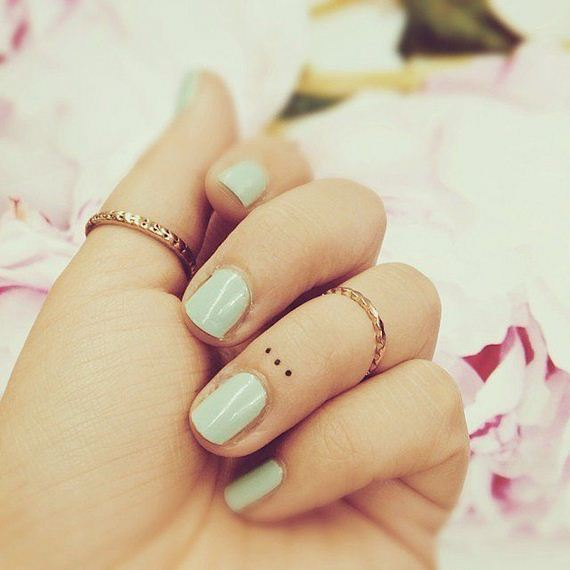 03-tiny-tattoos-you-cant-wait-to-have