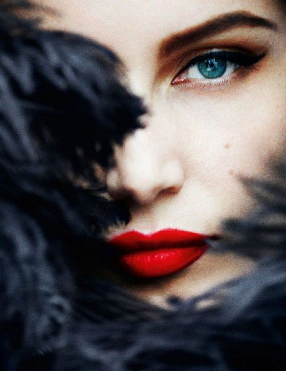 08-magical-red-lipstick