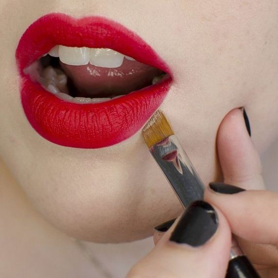17-your-lipstick