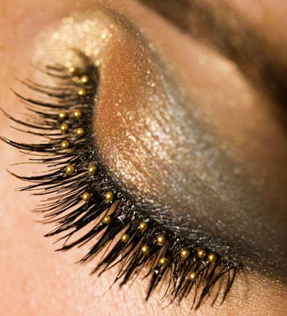 01-sparkly-makeup
