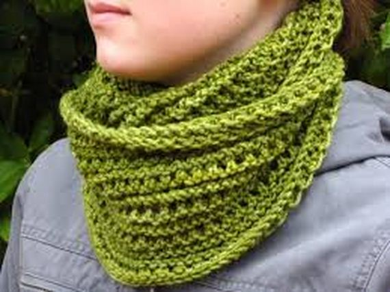 01-warm-knitted-cowls