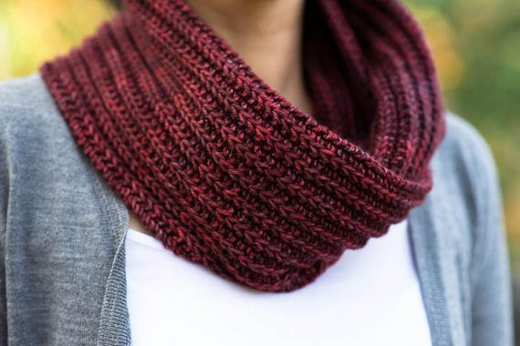 02-warm-knitted-cowls