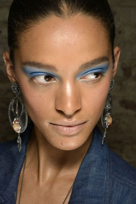 05-latest-makeup-trends