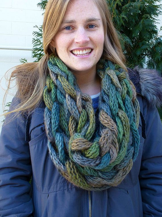 10-warm-knitted-cowls