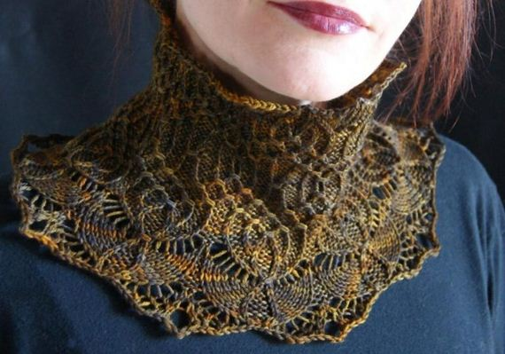 11-warm-knitted-cowls