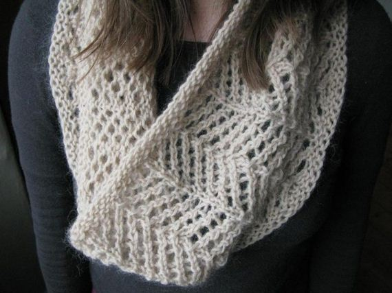 13-warm-knitted-cowls