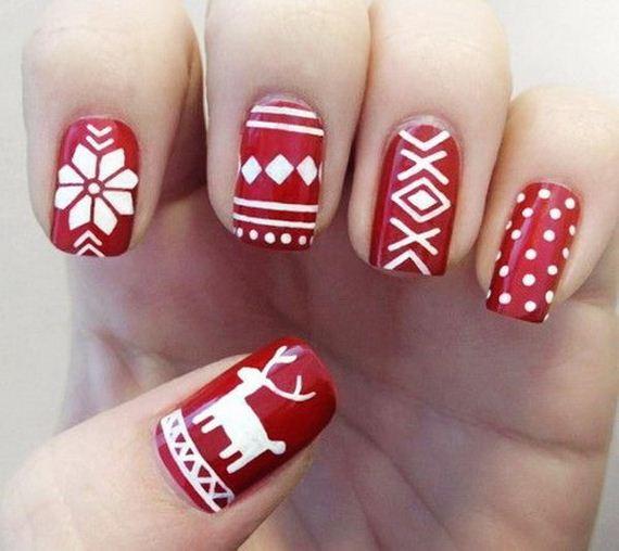 01-cool-christmas-nail-designs