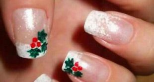 02-cool-christmas-nail-designs