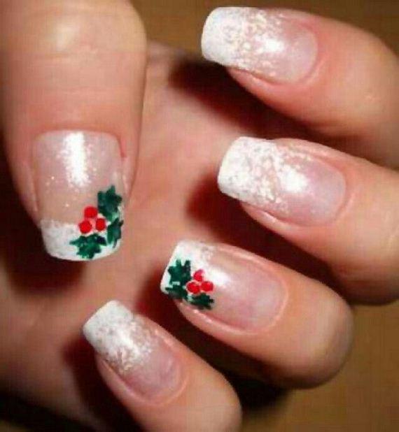 02-cool-christmas-nail-designs