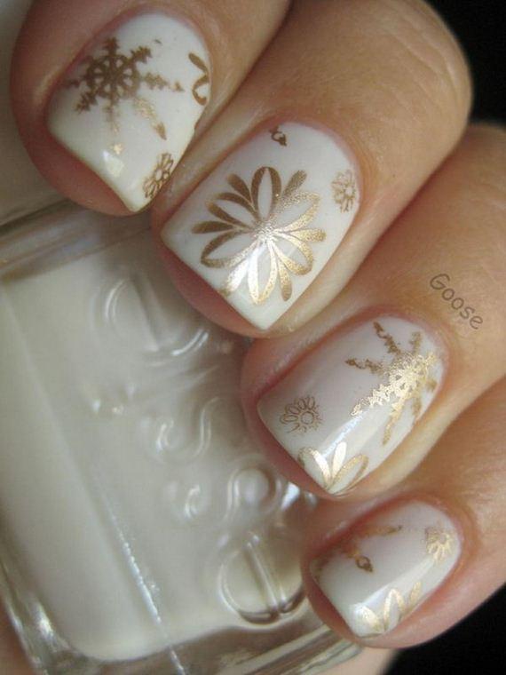 06-cool-snowflake-nail-art-designs