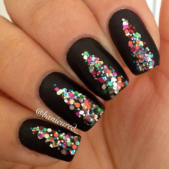 07-cool-christmas-nail-designs