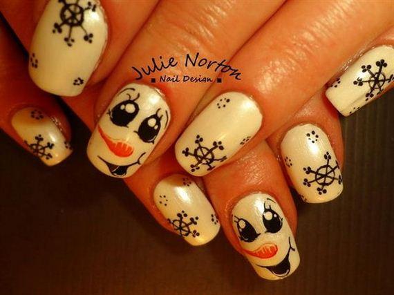 09-cool-snowflake-nail-art-designs