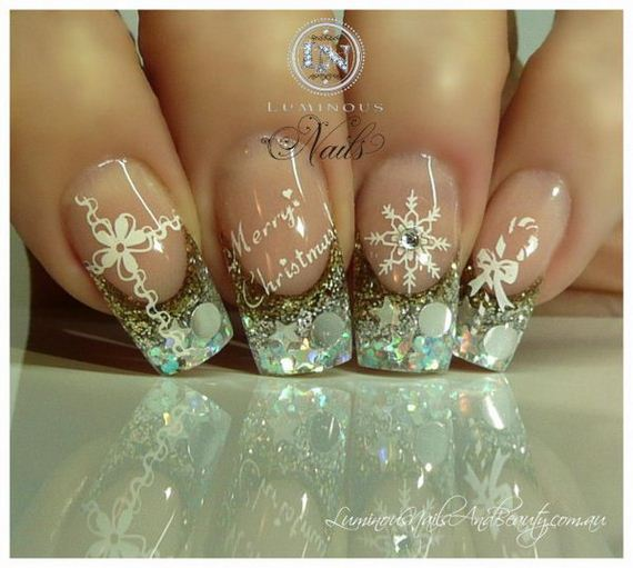 11-cool-christmas-nail-designs