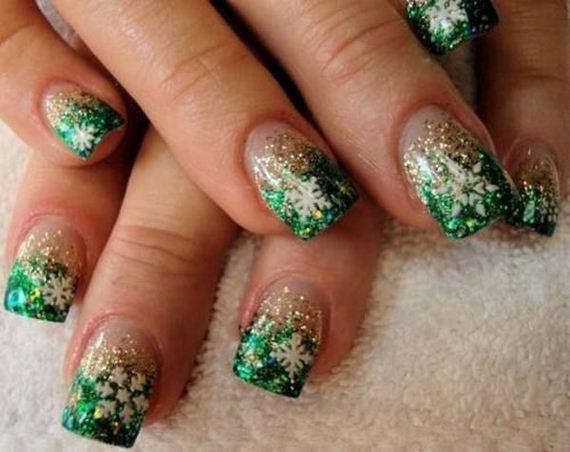 11-cool-snowflake-nail-art-designs