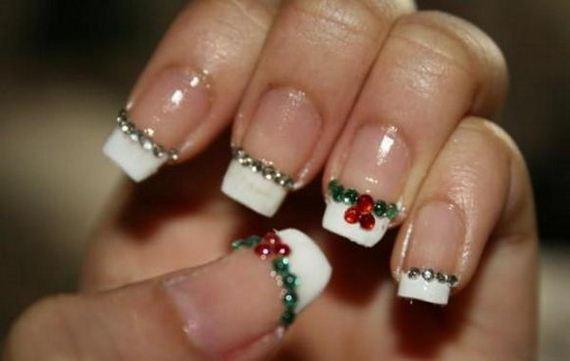 12-cool-christmas-nail-designs