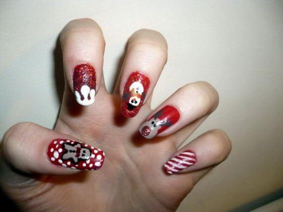 13-cool-christmas-nail-designs