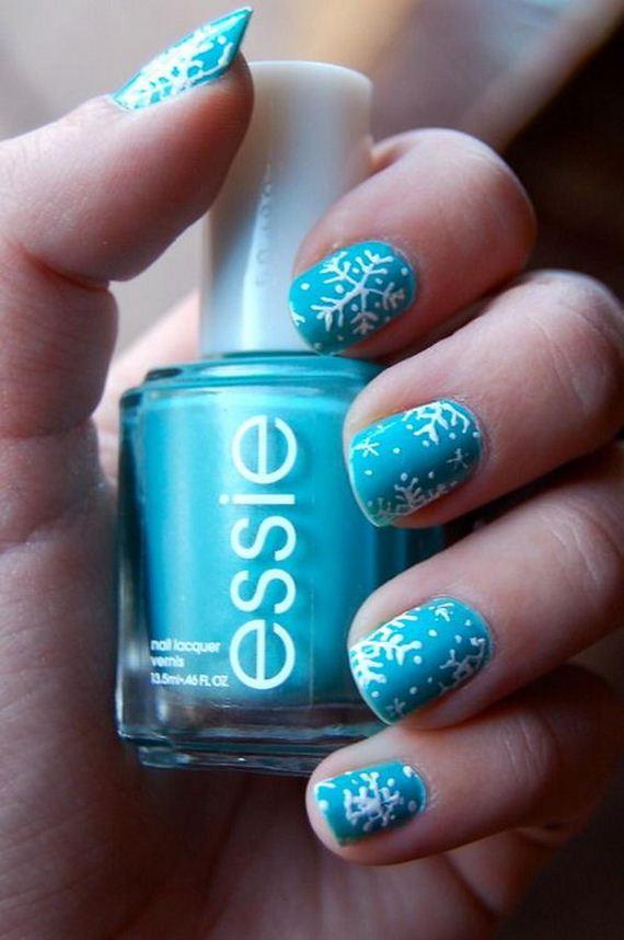 14-cool-snowflake-nail-art-designs