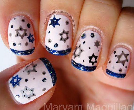 17-cool-snowflake-nail-art-designs