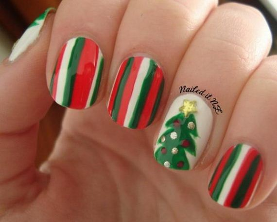 18-cool-christmas-nail-designs