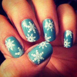 20-cool-snowflake-nail-art-designs