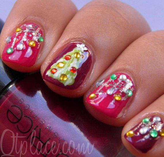 21-cool-christmas-nail-designs