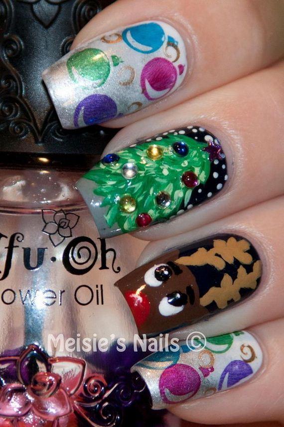 22-cool-christmas-nail-designs
