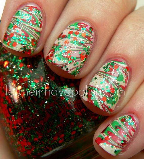 23-cool-christmas-nail-designs