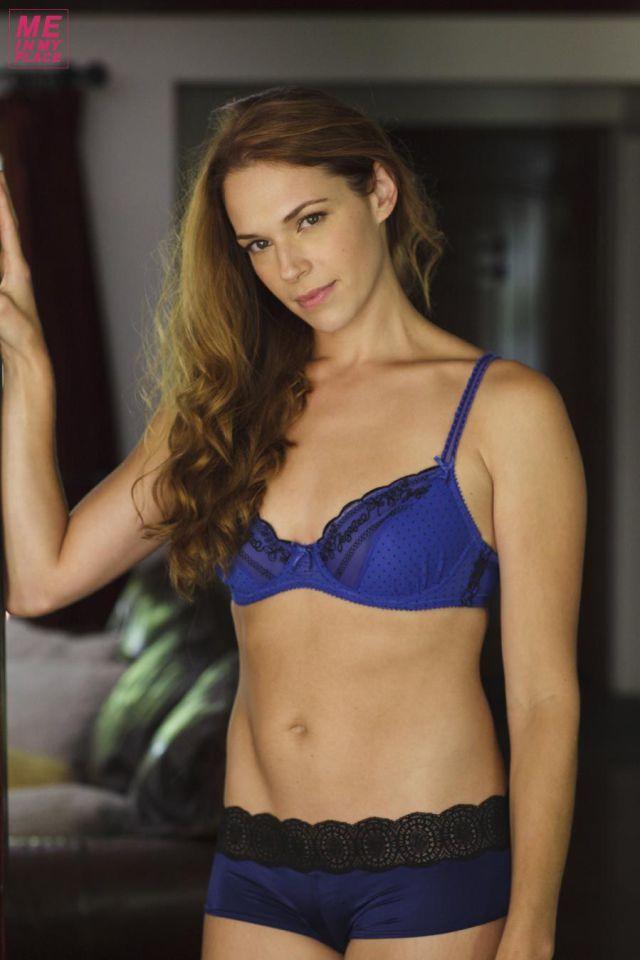 30 Hottest Amanda Righetti Photos - 12thBlog