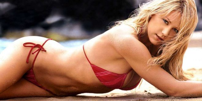 The Hottest Anna Kournikova Photos