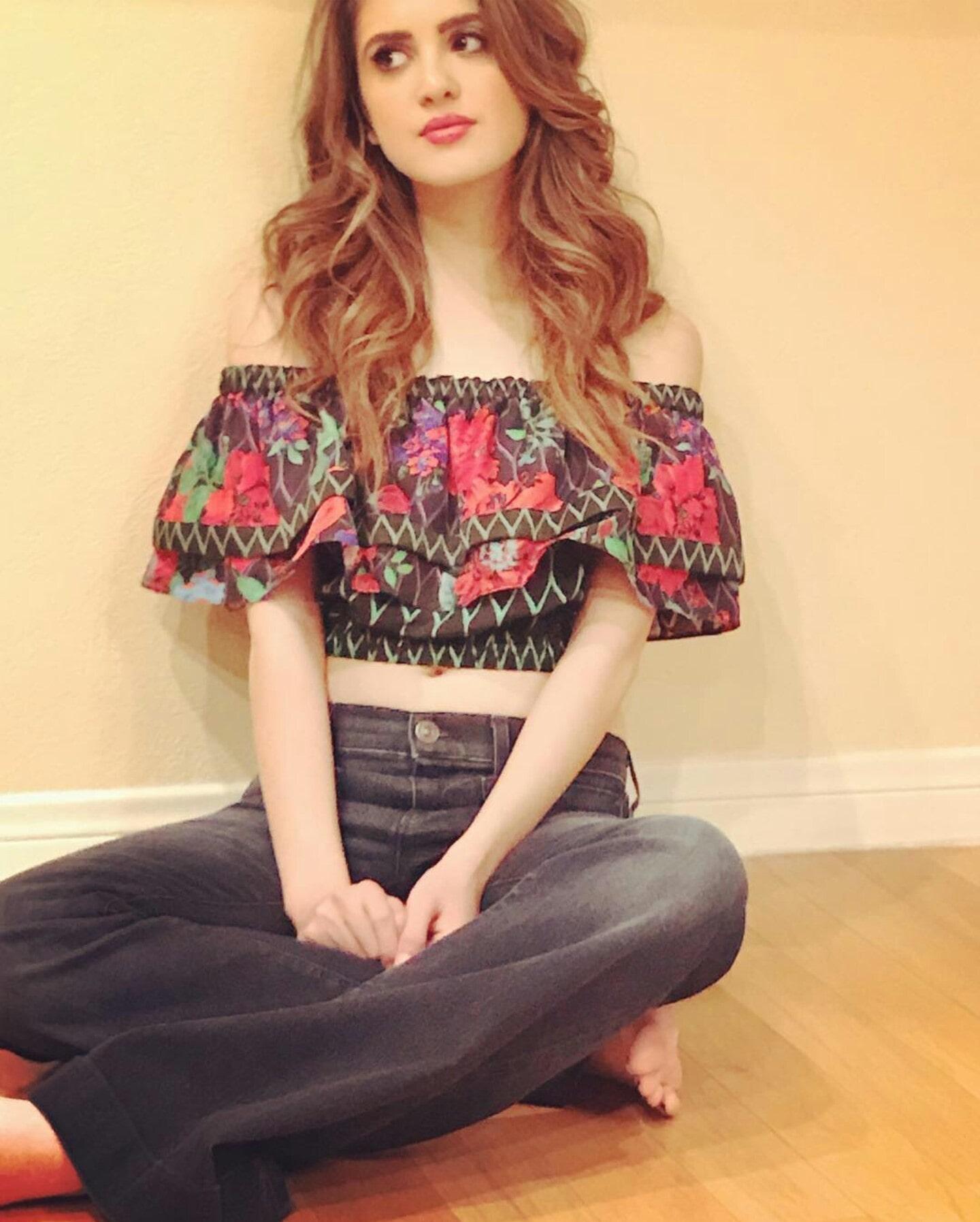 50 Hot Laura Marano Whic Photos - 12Thblog-5954