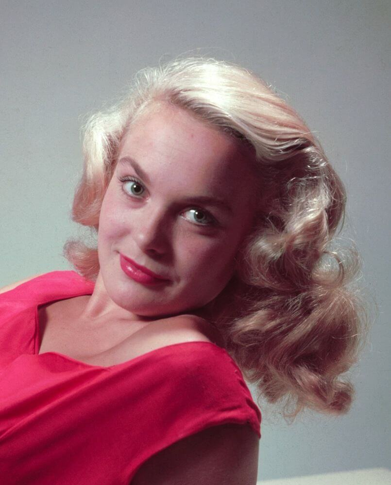 Shirley Eaton - photos, news, filmography, quotes and