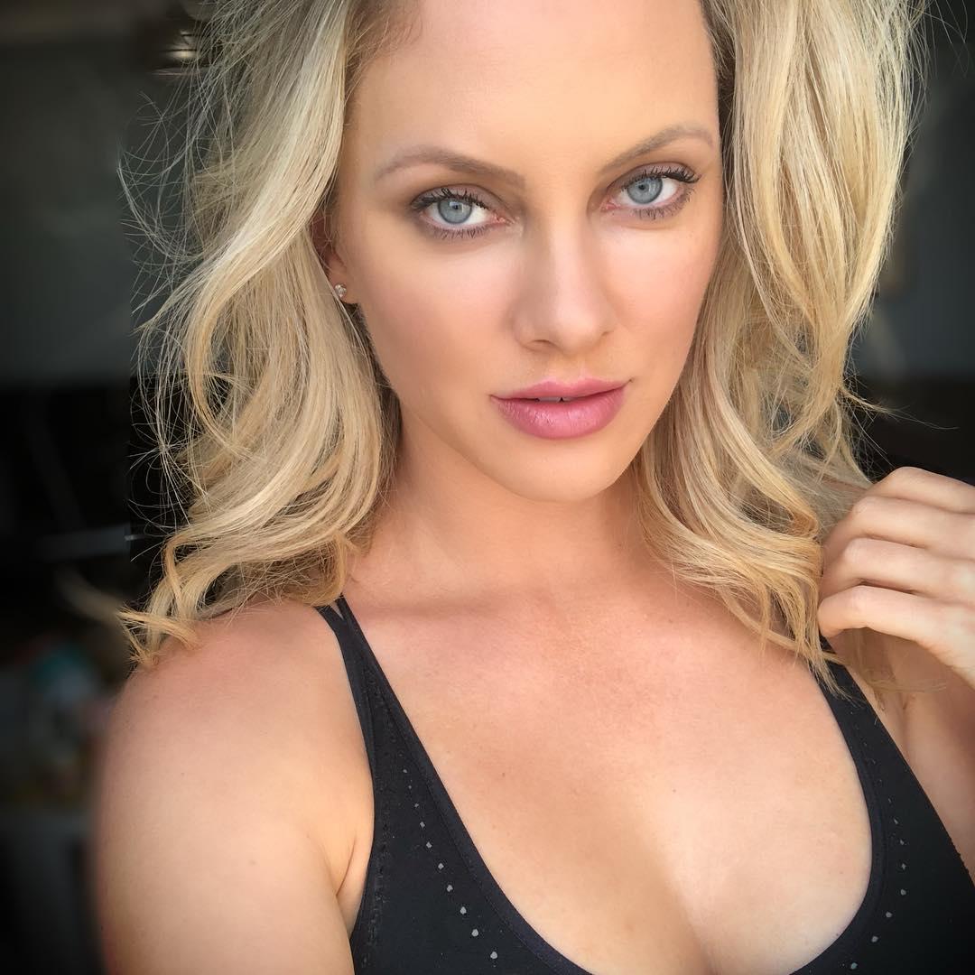 Hot Photos Of Nicole Arbour - 12thBlog