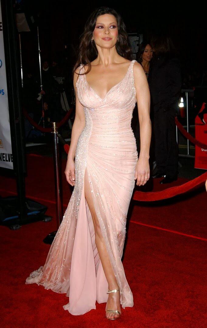 50 Hottest Catherine Zeta-Jones Photos - 12Thblog-5619