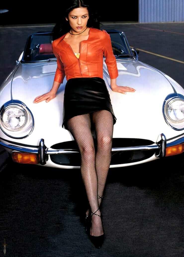 50 Hottest Catherine Zeta-Jones Photos - 12Thblog-5641