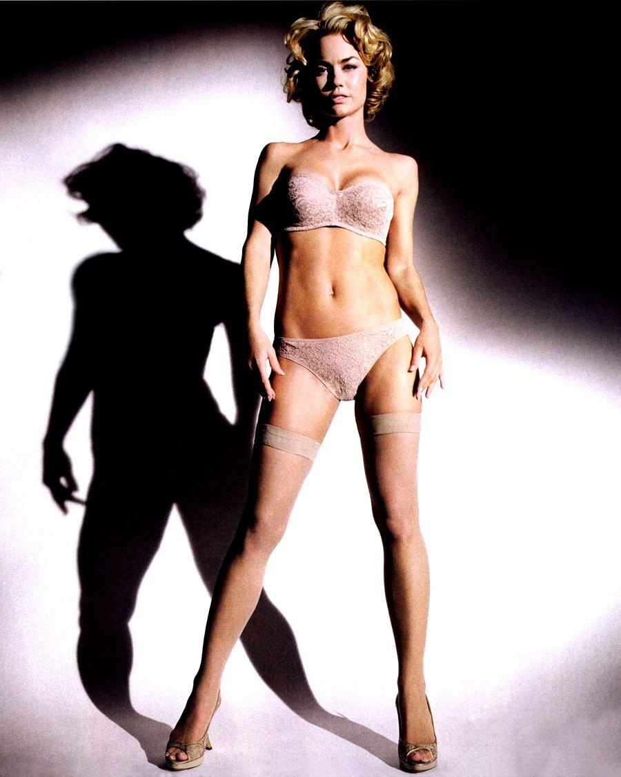 Kelly carlson naked