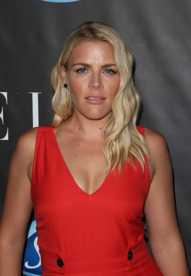 The Hottest Photos Of Busy Philipps - 12thBlog