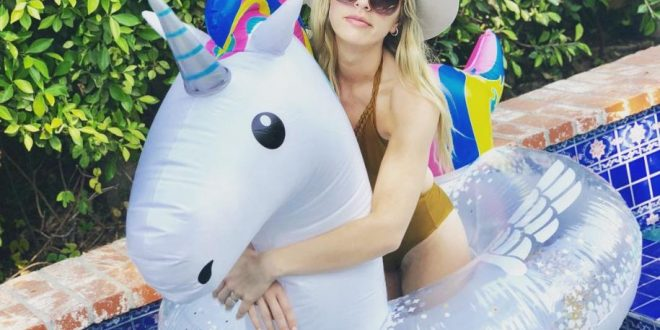 40 Hot ZZ Ward Photos That Will Make Your Hands Sweat