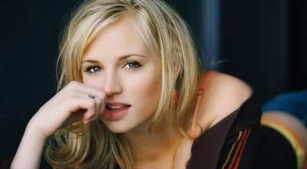 The Hottest Fiona Gubelmann Photos Around The Net