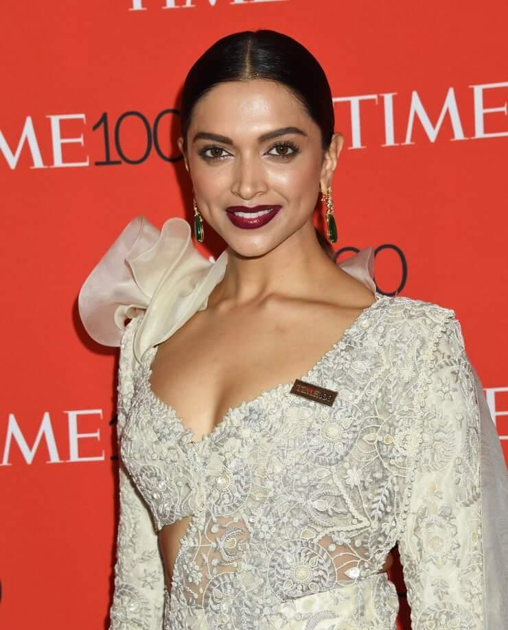 50 Hot And Sexy Deepika Padukone Photos - 12thBlog