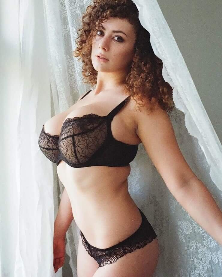 Leila Lowfire Dschungel Nackt