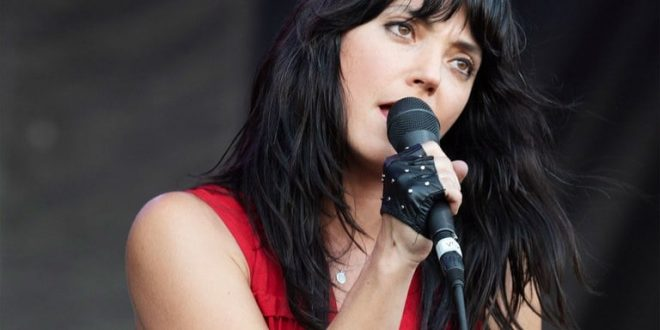 50 Hot And Sexy Sharon Van Etten Photos