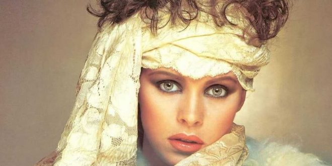 50 Hot And Sexy Sheena Easton Photos