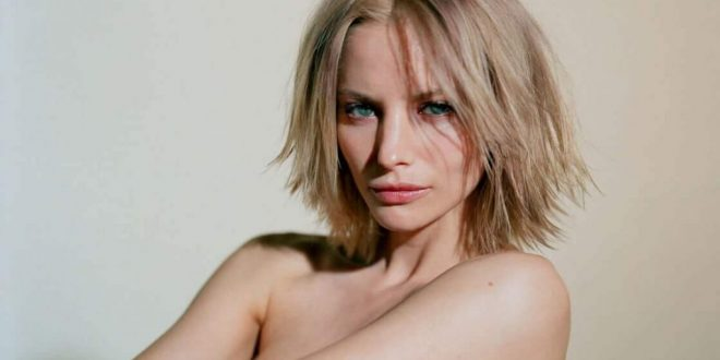 25 Hot Sienna Guillory Photos Will Make Your Head Spin