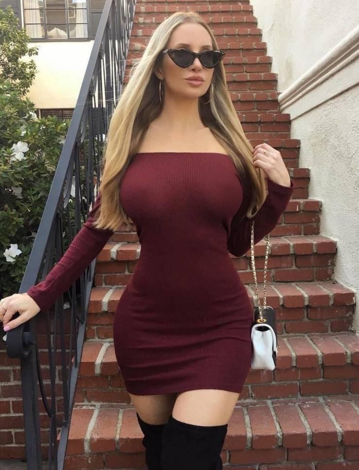 50+ горячих девушек в обтягивающих платьях