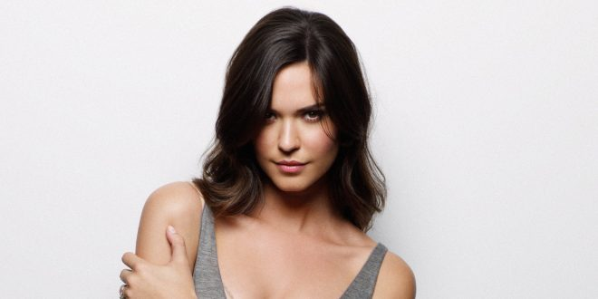 The Hottest Odette Annable Photos Around The Net
